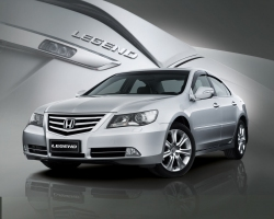 Honda Legend - фото